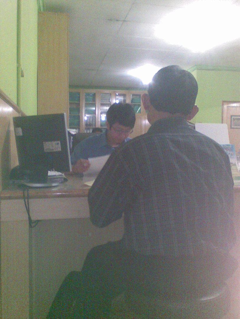 Pelayanan Pelanggan Lantai II Kantor PT PLN Tambun Bekasi